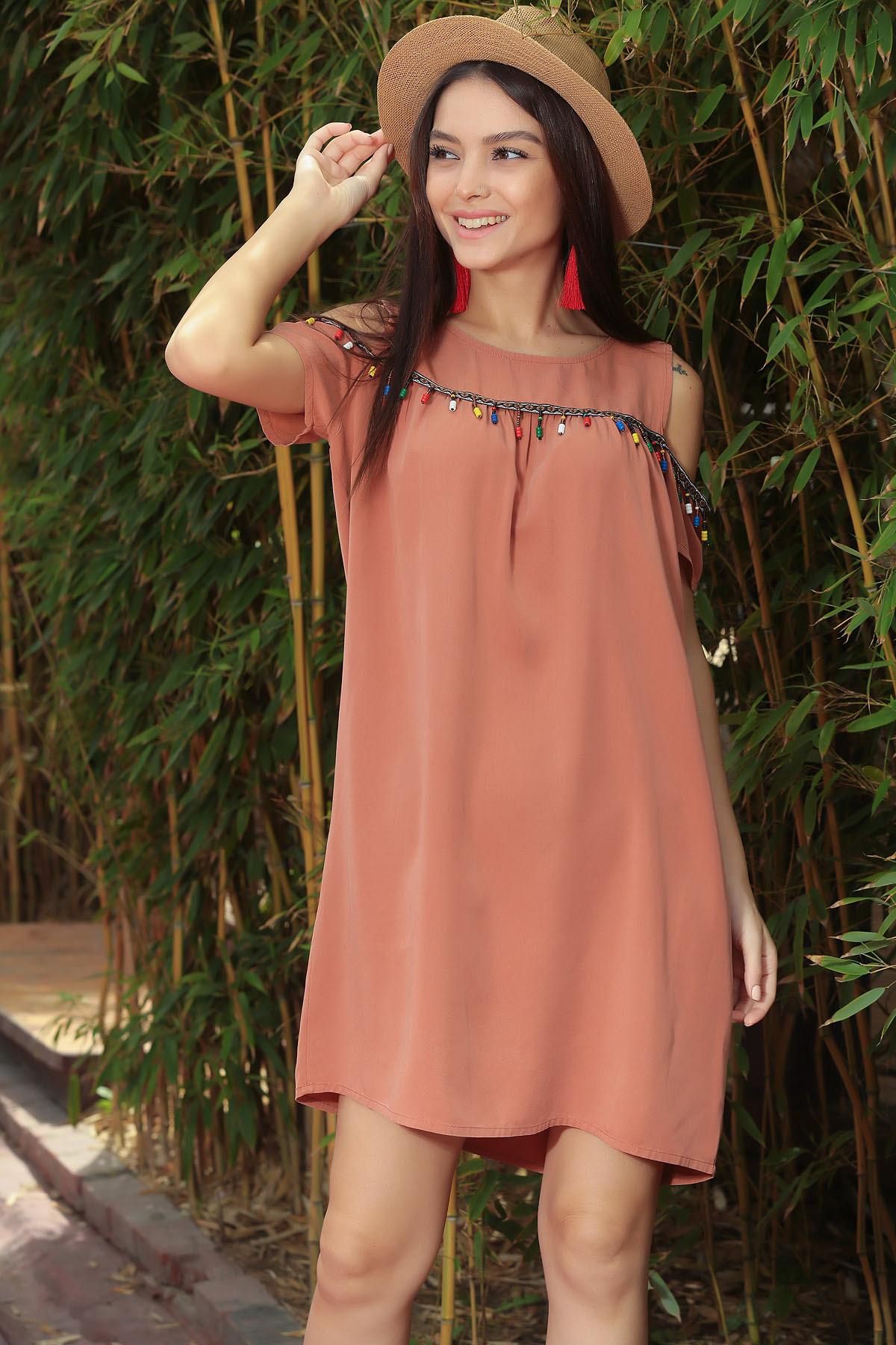 89d406259386b By Saygı Kadın Tarçın Boncuklu Omuz Dekolteli Tensel Elbise S ...