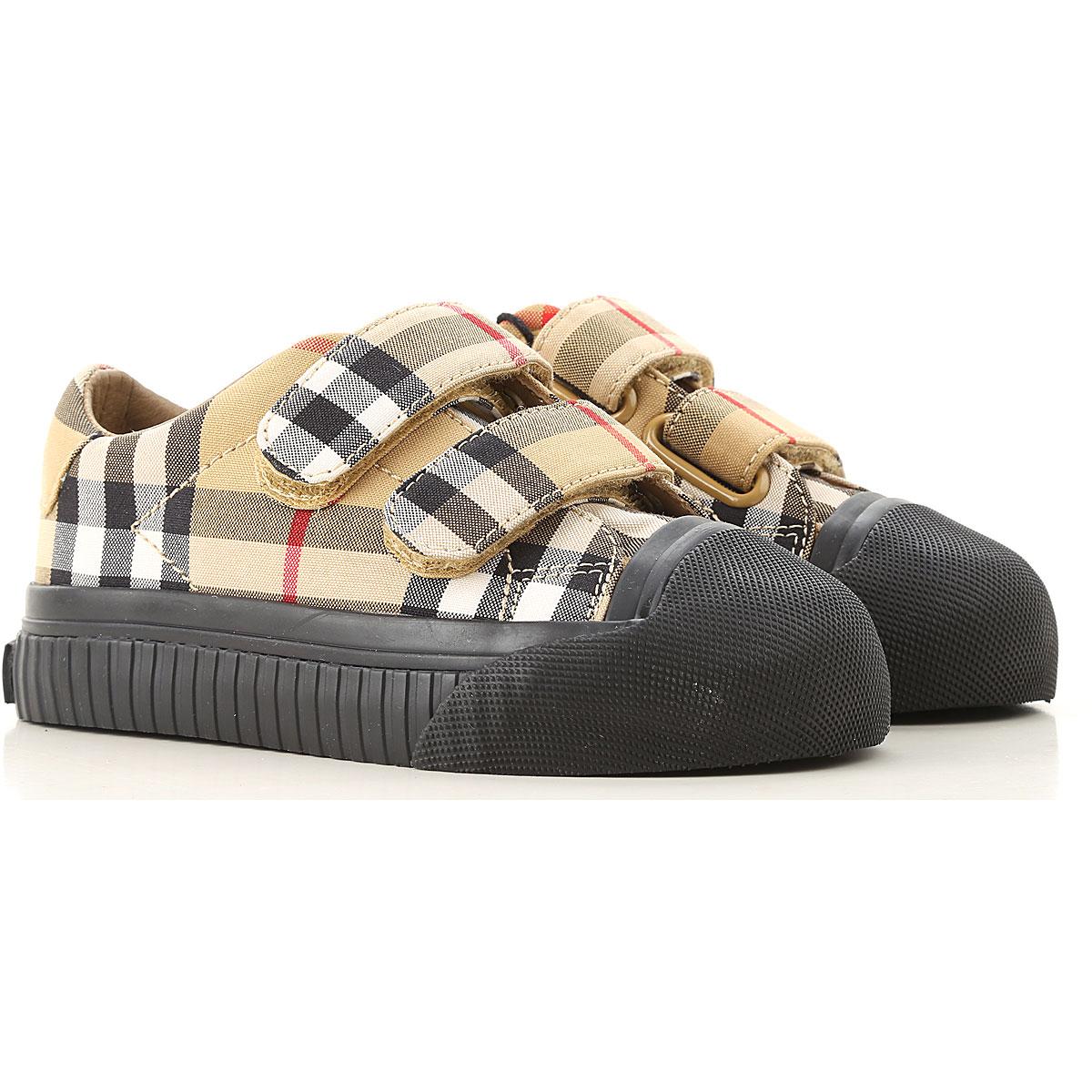 2019 Burberry yeni sezon ayakkabıları