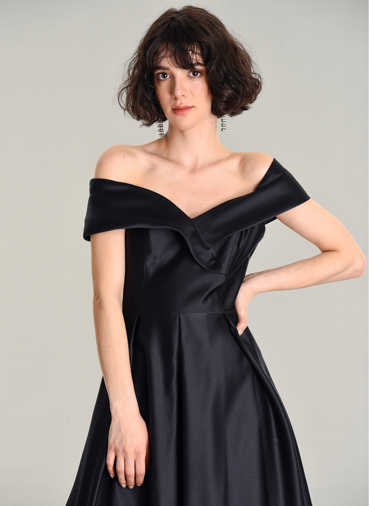 f69df796063bf Agenda Kadın Saten Abiye Elbise Siyah - Glami.com.tr
