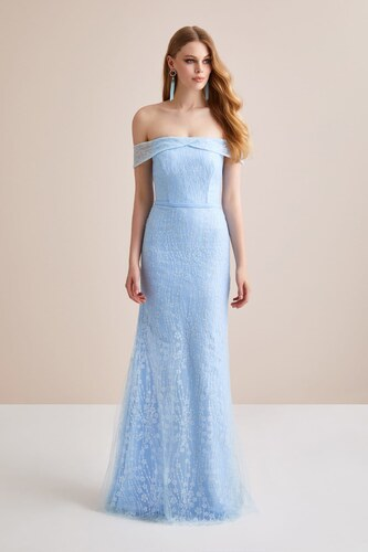 0d7f8a4105ea8 Oleg Cassini Kadın Buz Mavisi Kayık Yaka Dantel Uzun Abiye Elbise 2XLVC3583