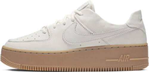3f481f6fab Nike Air Force 1 Sage Low LX Kadın Ayakkabısı - Glami.com.tr